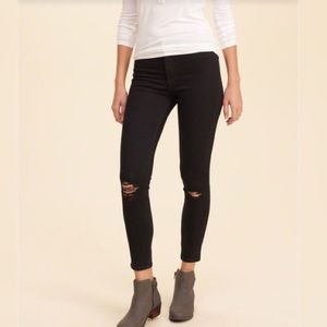 Hollister black cropped super skinny jeans